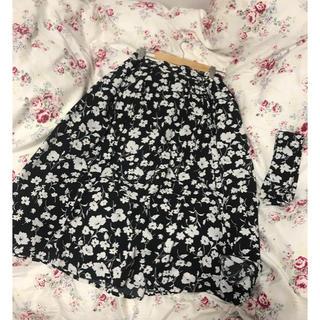 ジーユー(GU)のGU 花柄スカート(ひざ丈スカート)