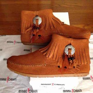 ミネトンカ(Minnetonka)の5ミネトンカ コンチョフェザーブーツ(ブーツ)