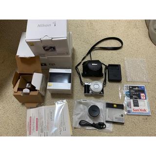 ニコン(Nikon)のJ5 Model1 NIKKOR double Lens kitめー222様専用(その他)