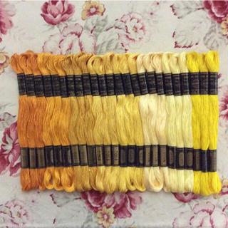 オリンパス(OLYMPUS)のOLYMPUS 綿100% 刺繍糸 24本 (オレンジと黄色系のセット)(生地/糸)