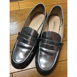 ザラ(ZARA)のZARA シルバー ローファー(ローファー/革靴)