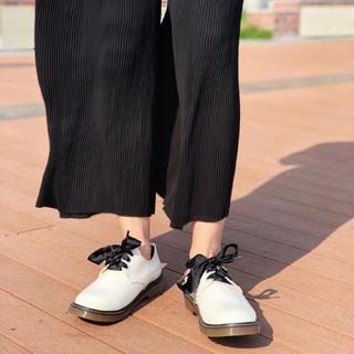 シュガーシュガー(Sugar Sugar)の新品♡定価6372円  ローヒールシューズ ホワイト 大幅お値下げ‼️(ローファー/革靴)