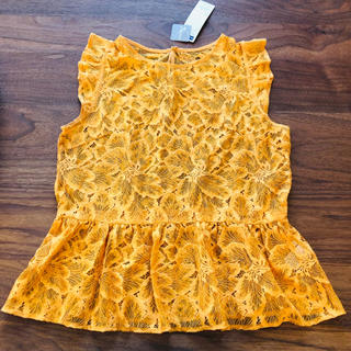 ジーユー(GU)のGU レースペプラムブラウス オレンジ(シャツ/ブラウス(半袖/袖なし))