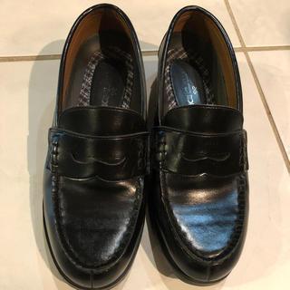 ナイスクラップ(NICE CLAUP)のNICE CLAUP ローファー黒色 サイズ23センチ(ローファー/革靴)