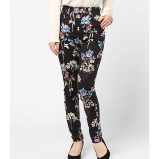 ダブルスタンダードクロージング(DOUBLE STANDARD CLOTHING)のsov. 花柄パンツ 34(カジュアルパンツ)