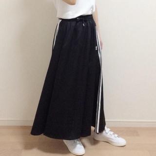 アディダス(adidas)のadidas ロング サテンスカート (ロングスカート)