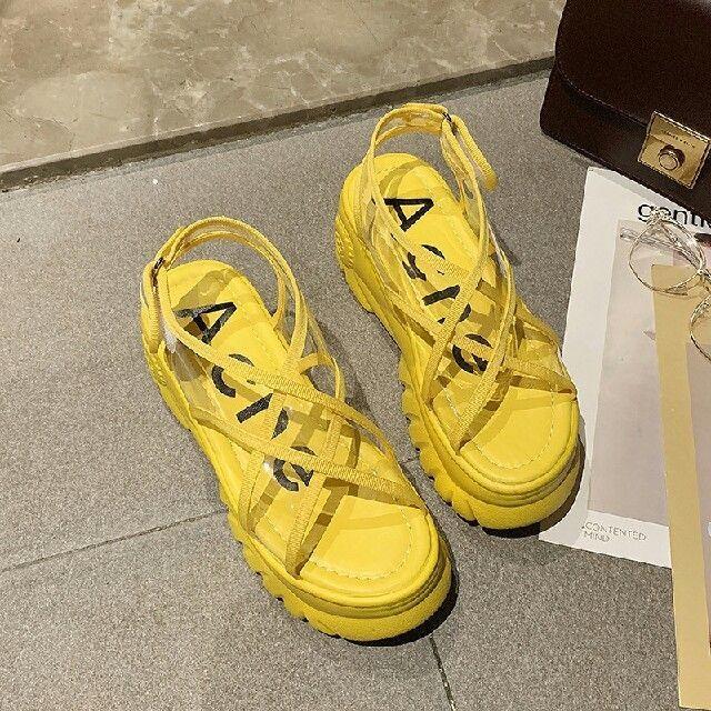 夏作 オルチャン クリア 厚底 透明サンダル 黄 レディースの靴/シューズ(サンダル)の商品写真
