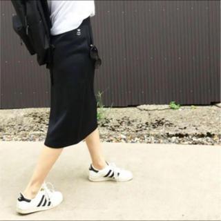 ハイク(HYKE)の美品☆ HYKE adidas コラボ スカート XSサイズ 黒 ハイク(ひざ丈スカート)