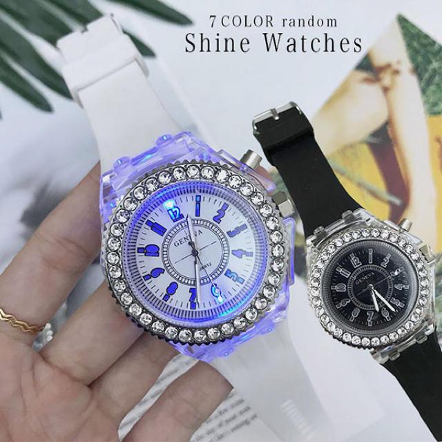 7色に光る腕時計(^^)お洒落可愛い❗️の通販 by ⭐️けんたん⭐️'s shop|ラクマ