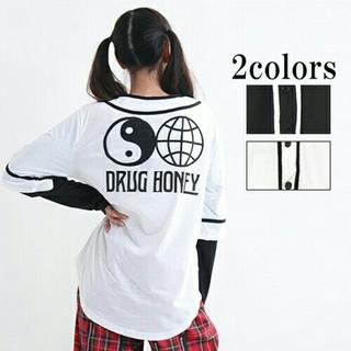 ファンキーフルーツ(FUNKY FRUIT)の最終DrugHoneyバックプリントベースボールシャツ  ドラッグハニー F 白(Tシャツ(長袖/七分))