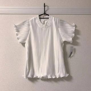 メルロー(merlot)のメロウプリーツトップス ブラウス ホワイト(シャツ/ブラウス(半袖/袖なし))