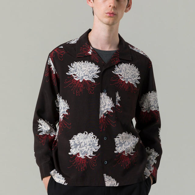 DELUXE(デラックス)の「希少 大人気」彼岸花 柄シャツ 花柄シャツ アロハシャツ メンズのトップス(シャツ)の商品写真
