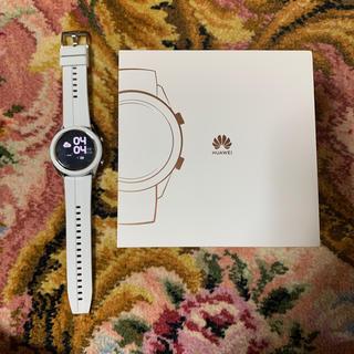 アップルウォッチ(Apple Watch)のHuawei ファーウェイ スマートウォッチ GT 42mm ホワイト 極美品(スマートフォン本体)