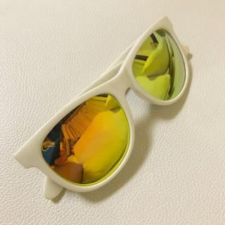 スライ(SLY)のSLY スライ カラーレンズ  白 ホワイト サングラス(サングラス/メガネ)