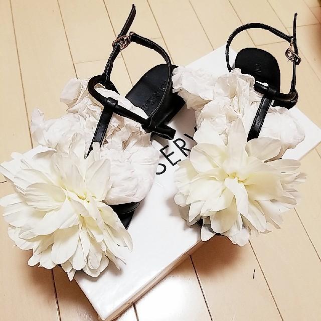 LIP SERVICE(リップサービス)の早いもん勝ち♡リップサービス♡フラワーフラットサンダル レディースの靴/シューズ(サンダル)の商品写真