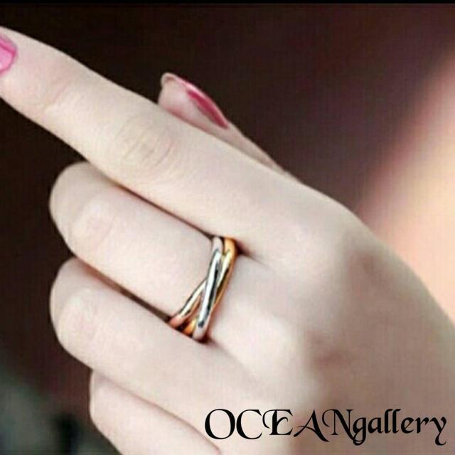 送料無料 15号 サージカルステンレス 三色三連リング 指輪 トリニティリング レディースのアクセサリー(リング(指輪))の商品写真