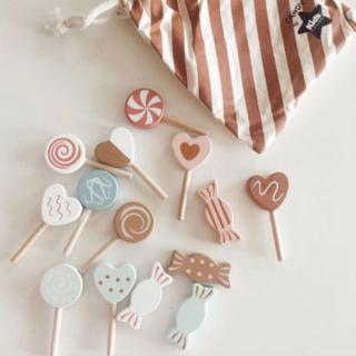 キャラメルベビー&チャイルド(Caramel baby&child )の新品✦Kids Concept 木製Candy set 15ピース(巾着つき)(知育玩具)