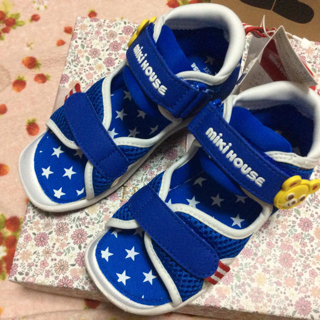 mikihouse(ミキハウス)の現行品 プッチー サンダル 16cm キッズ/ベビー/マタニティのキッズ靴/シューズ (15cm~)(サンダル)の商品写真