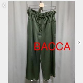 エディション(Edition)のBACCA クロップドサテンパンツ 未使用(クロップドパンツ)