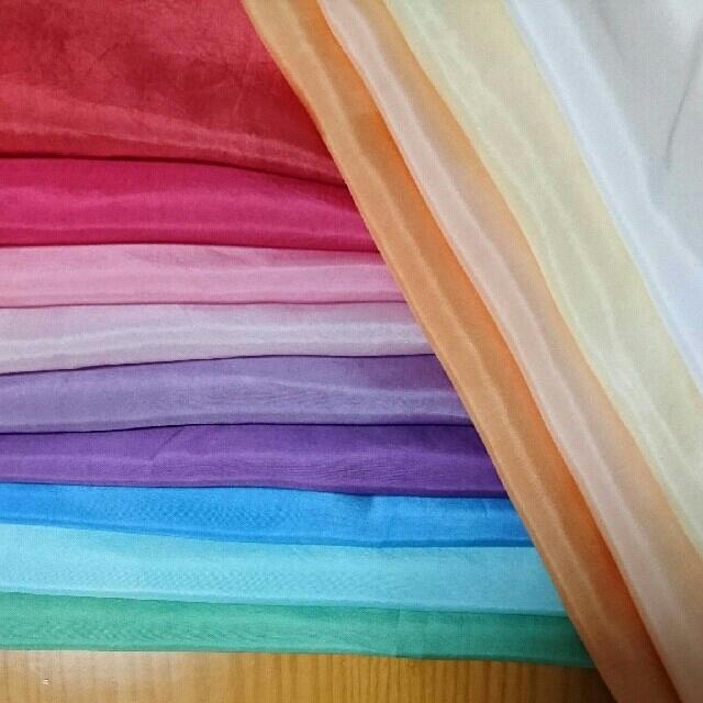 染め胴裏  羽二重 つまみ細工 ハンドメイドの素材/材料(生地/糸)の商品写真