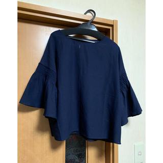 メルロー(merlot)のメルロー  袖フリルブラウス(シャツ/ブラウス(半袖/袖なし))
