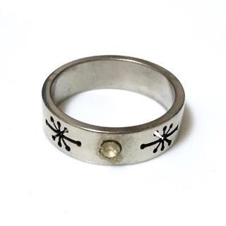 同時購入で300円 ステンレス指輪 ラインストーンと煌めき(リング(指輪))