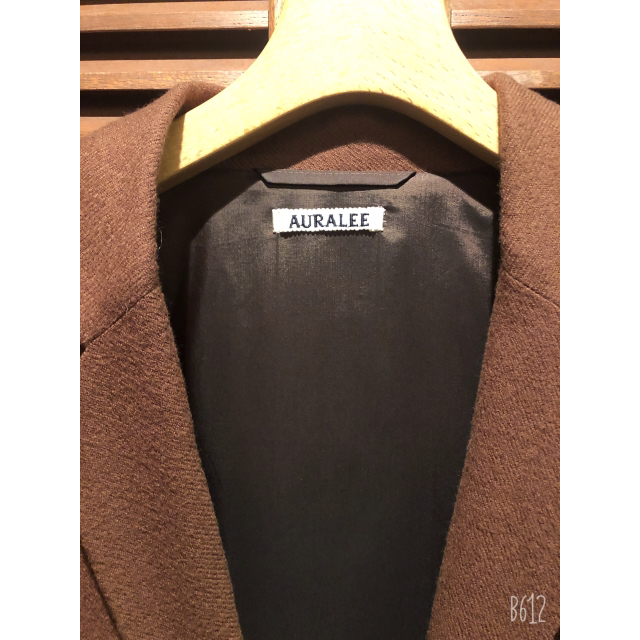 COMOLI(コモリ)のAURALEE SELVEDGE WOOL VIYELLA SET UP メンズのジャケット/アウター(テーラードジャケット)の商品写真