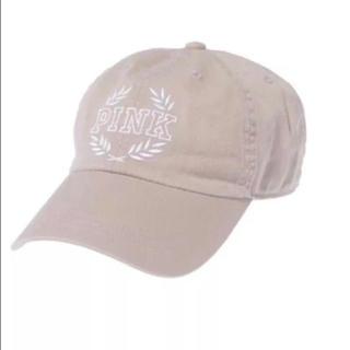 ヴィクトリアズシークレット(Victoria's Secret)のヴィクシー VS Pink ベースボールキャップ 帽子 ベージュ (キャップ)
