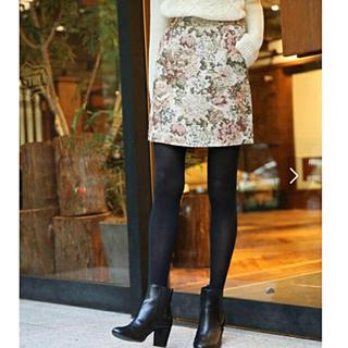 ローリーズファーム(LOWRYS FARM)のローリーズファーム スカート 花柄 ミニ ゴブラン織り (ミニスカート)