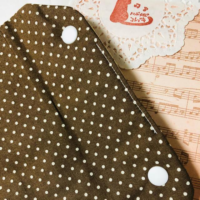 ハンドメイド アリス風サーカス柄のシートベルトカバー ハンドメイドのキッズ/ベビー(外出用品)の商品写真