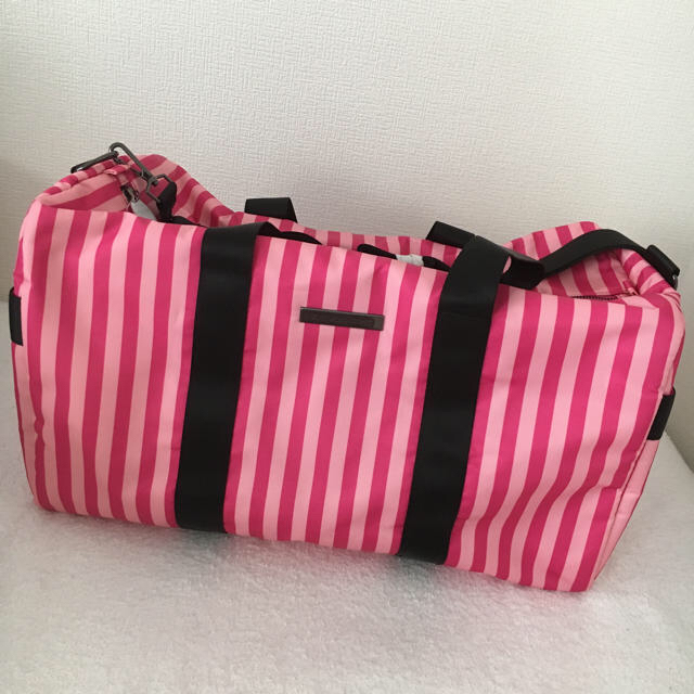 Victoria's Secret(ヴィクトリアズシークレット)のvictoria's secret バッグ レディースのバッグ(ボストンバッグ)の商品写真