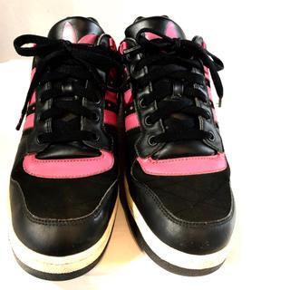 アディダス(adidas)のadidas★レザースニーカー★三つ葉★トレフォイル★アディダス★ビビッド★黒(スニーカー)