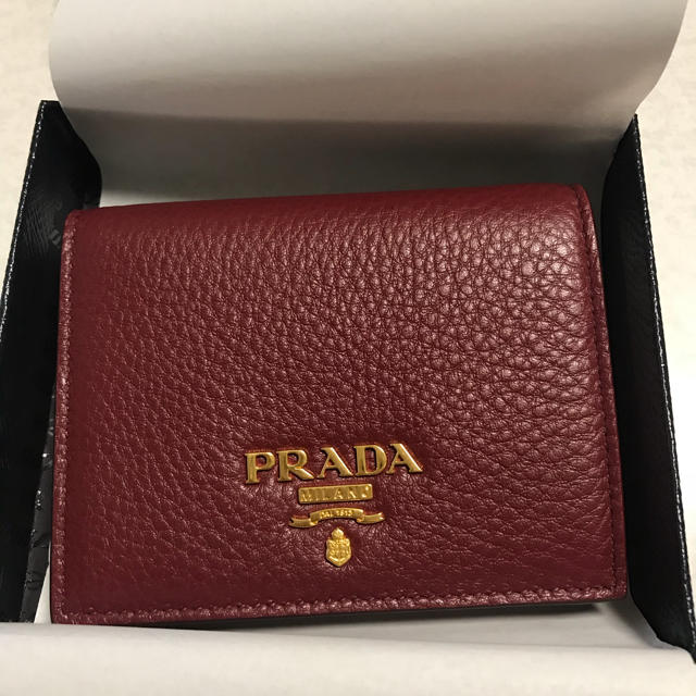 super popular 0d1f8 571da プラダミニ財布   フリマアプリ ラクマ