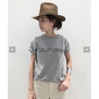 アパルトモンドゥーズィエムクラス(L'Appartement DEUXIEME CLASSE)のREMI RELIEF CALIFORNIA Tシャツ☆グレー(Tシャツ(半袖/袖なし))