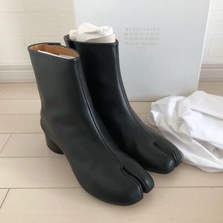 マルタンマルジェラ(Maison Martin Margiela)の【新品未使用】メゾンマルジェラ TABI ブーツ(ブーツ)