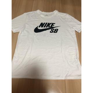 ナイキ(NIKE)のNIKEのTシャツ(Tシャツ(半袖/袖なし))