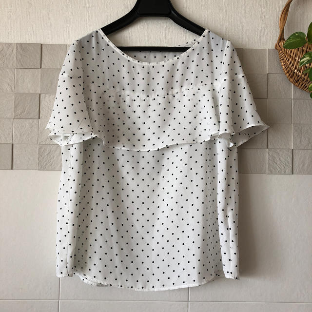 GU(ジーユー)のドット柄 ブラウス   レディースのトップス(シャツ/ブラウス(半袖/袖なし))の商品写真