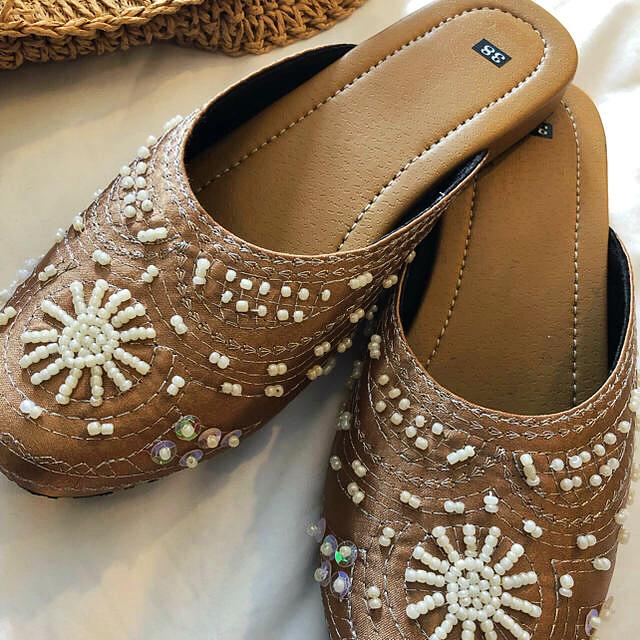 mystic(ミスティック)のベトナムサンダル  38  ベージュ 秋用 レディースの靴/シューズ(サンダル)の商品写真