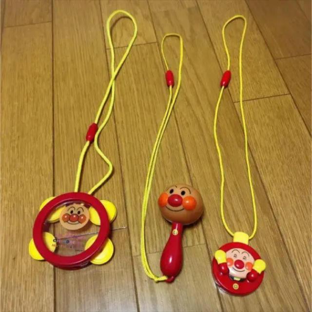 アンパンマン(アンパンマン)のアンパンマンミュージアム おもちゃ タンバリン マスカラ キッズ/ベビー/マタニティのおもちゃ(楽器のおもちゃ)の商品写真