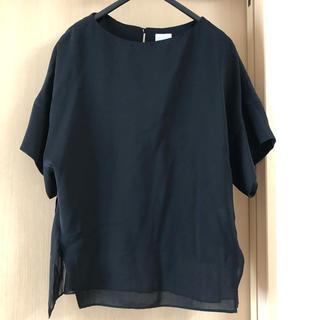 アドーア(ADORE)のαA アドーア 姉妹ブランド 黒半袖トップス 38(カットソー(半袖/袖なし))