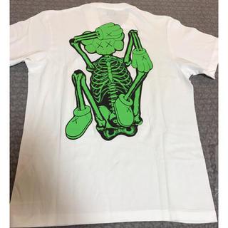 ユニクロ(UNIQLO)のユニクロ カウズ  Tシャツ M(Tシャツ/カットソー(半袖/袖なし))