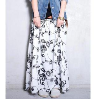 アンティカ(antiqua)のantiqua  花柄刺繍 リブ ロングスカート(ロングスカート)