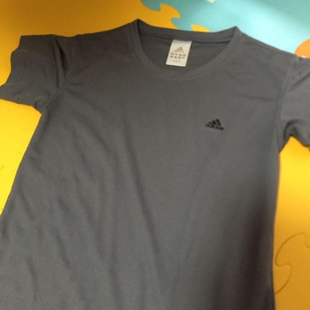 adidas(アディダス)のアディダス Tシャツ レディースのトップス(Tシャツ(半袖/袖なし))の商品写真