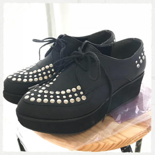 ジュエティ(jouetie)のエスペランサ 日本製 スタッズ厚底シューズ(ローファー/革靴)