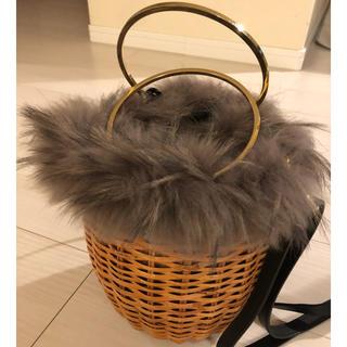 デミルクスビームス(Demi-Luxe BEAMS)のヴィオラドーロ ファー付きカゴバッグ(ショルダーバッグ)