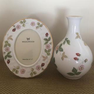ウェッジウッド(WEDGWOOD)のWEDG WOOD ❤️フォトフレーム&花瓶 セット(フォトフレーム)