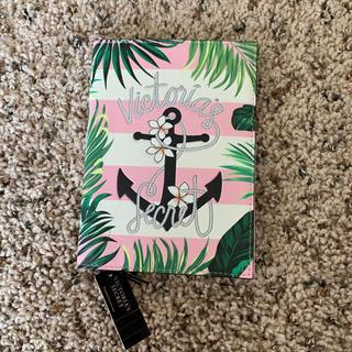 ヴィクトリアズシークレット(Victoria's Secret)の新品 ヴィクトリアシークレット パスポートケース(旅行用品)