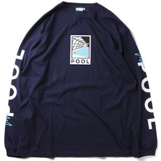 フリークスストア(FREAK'S STORE)の【新品未使用】例のプール/THAT POOL CREW L/S LOGO TEE(Tシャツ(長袖/七分))