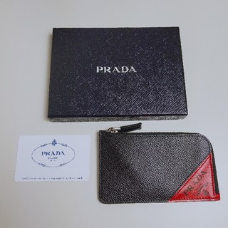 プラダ(PRADA)のPRADA☆2MC021 L型ファスナー カード 小銭入れ ブラック レッド(コインケース/小銭入れ)