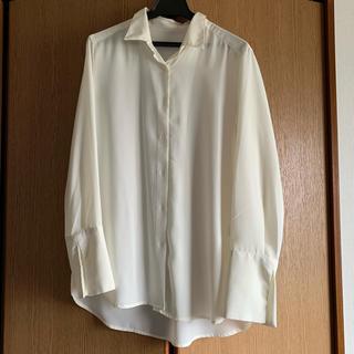 ジーユー(GU)の24日まで値下げ!GU★エアリーロングカフスシャツ(シャツ/ブラウス(半袖/袖なし))